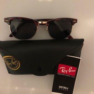 Ray-Ban RB3016 Tortoise Frame Sunglasses NWOT